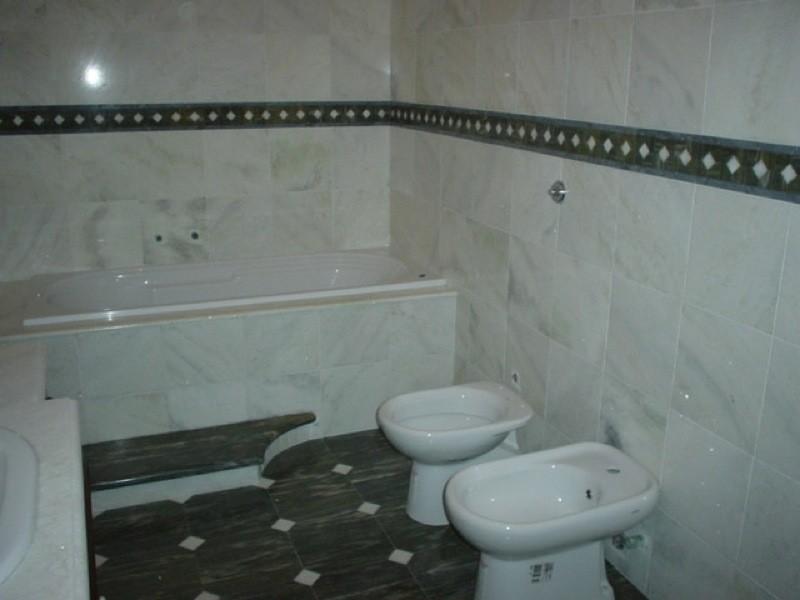 Rivestimento bagno lavorazioni e realizzazioni in marmo Manduria Taranto Emme Marmi Srl