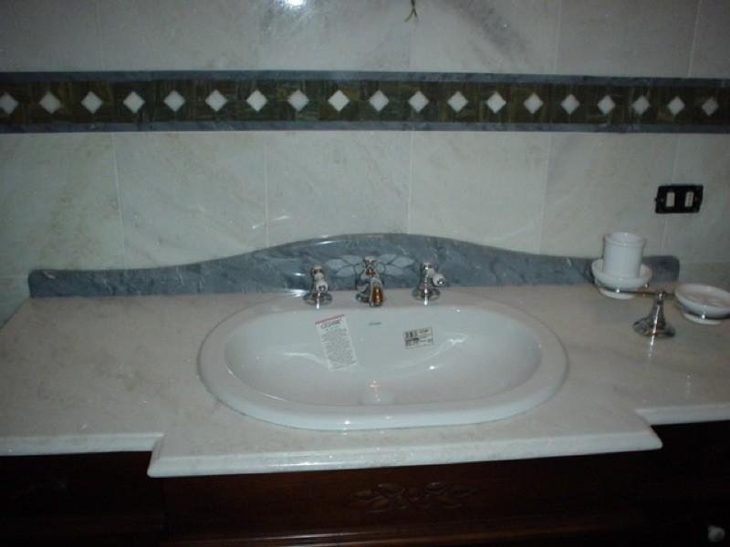 Rivestimento e lavandino marmo lavorazioni e realizzazioni in marmo Manduria Taranto Emme Marmi Srl