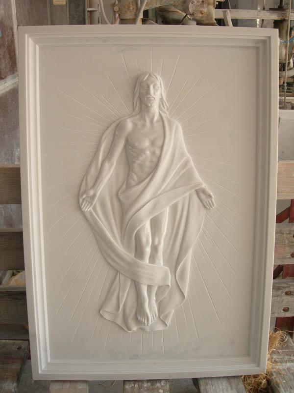Cristo intarsiato lavorazione del marmo a Pietrasanta Lucca