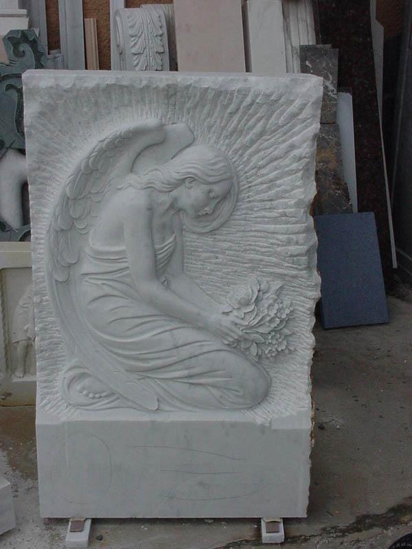 Arte funeraria lavorazione del marmo a Pietrasanta Lucca