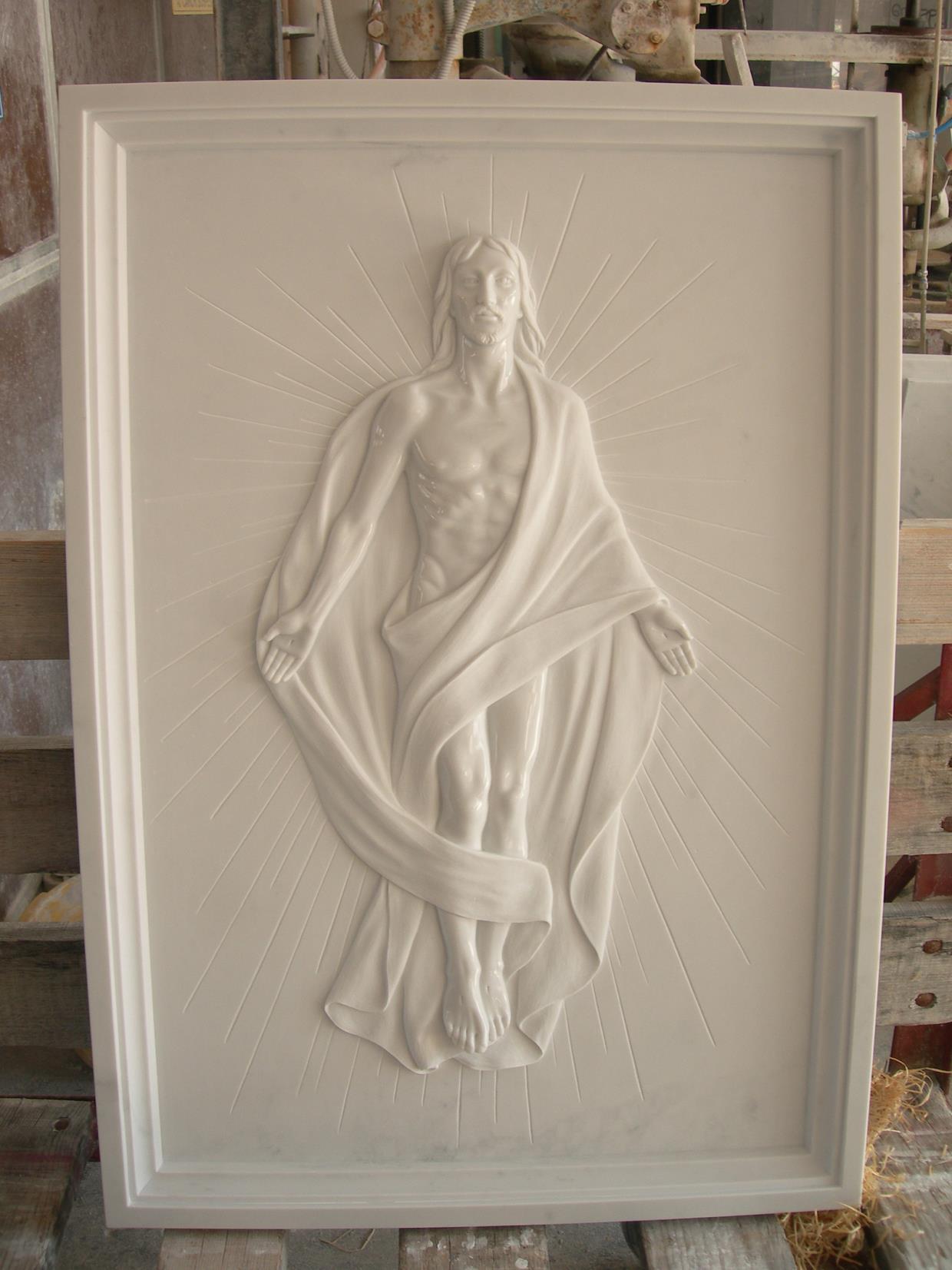 Lapide con Cristo risorto - Lavorazione marmi Pera Luciano