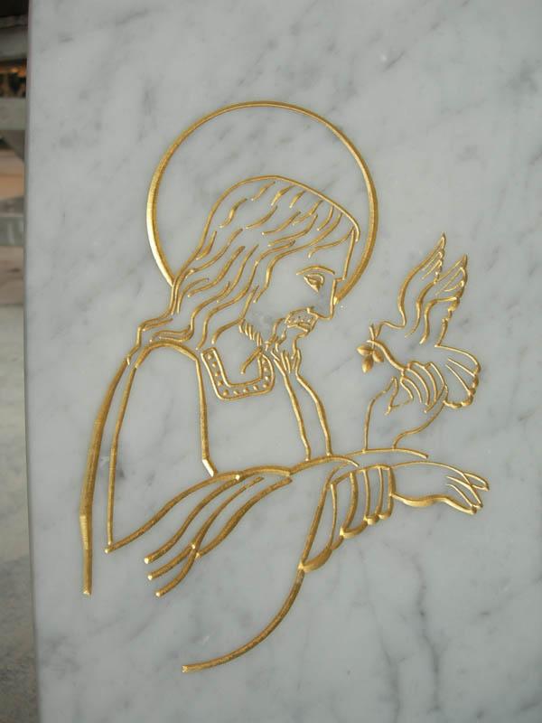 Scultura in oro sculture di arte sacra in marmo a Pietrasanta Lucca