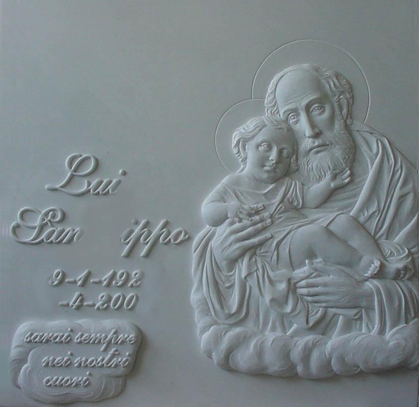 Lapide con San Pietro opere arte funeraria Pietrasanta Lucca