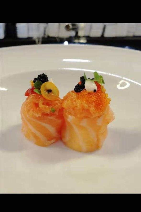Piatto di sashimi cucina giapponese Città di Castello Perugia