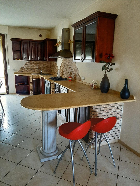 Cucine su misura lavorazione del marmo Acqualagna Pesaro Urbino