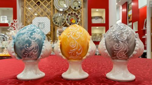 Porcellana lavorata a mano castel volturno