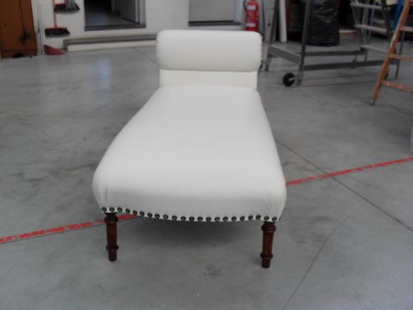 Restauro e riparazione mobili imbottiti e rivestiti Canapè Forniture