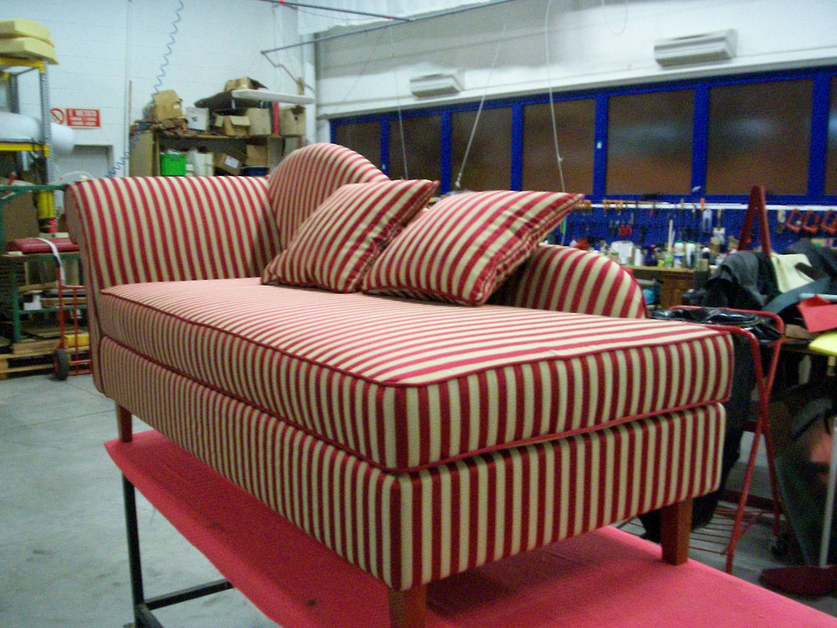 Restauro divano in stoffa