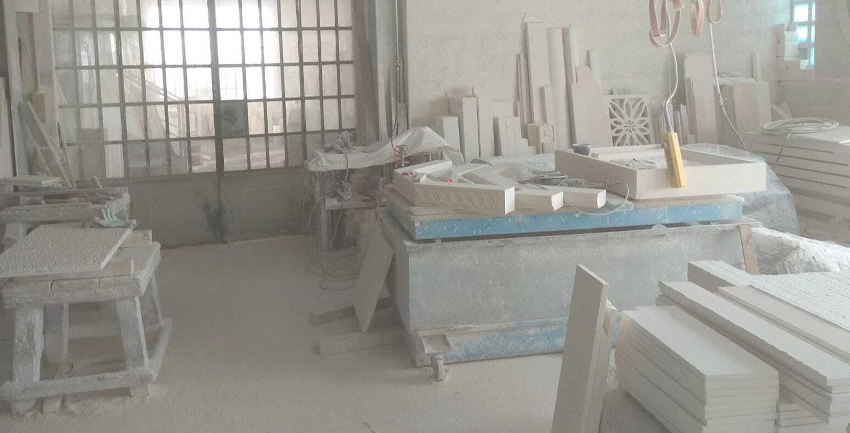 Laboratorio lavorazione pietra bianca