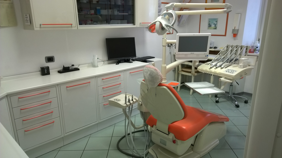 Dentista protesi fisse e mobili ed implantologia San Giovanni Bianco (Bergamo) - Dental Center 27