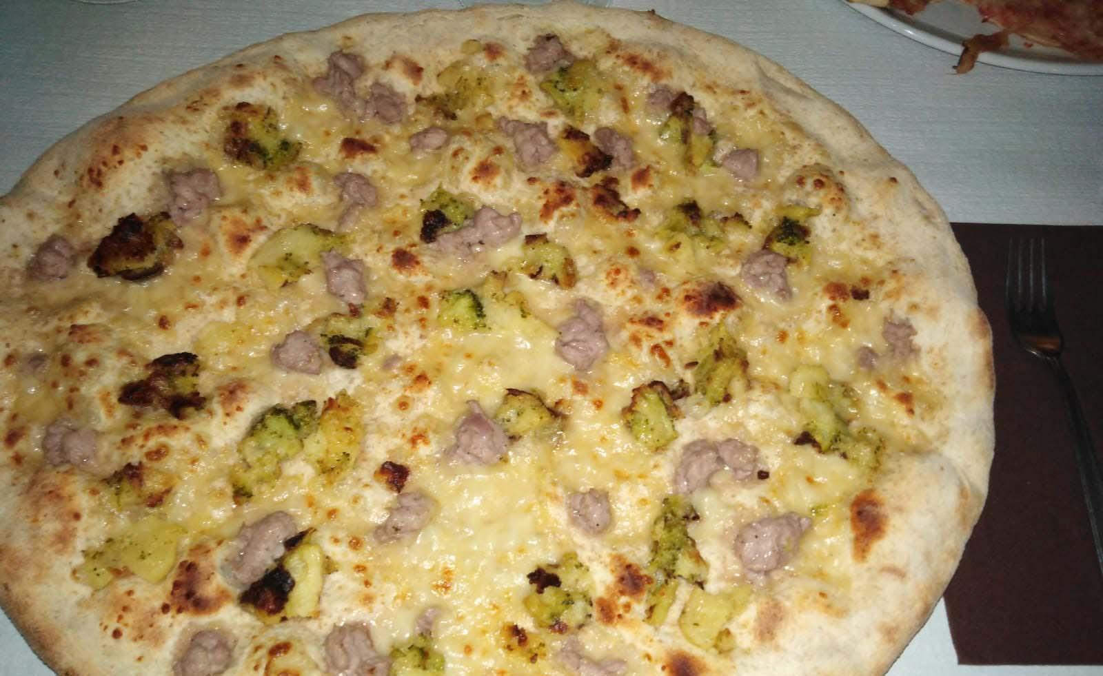 Pizzeria con forno a legna La Zdora