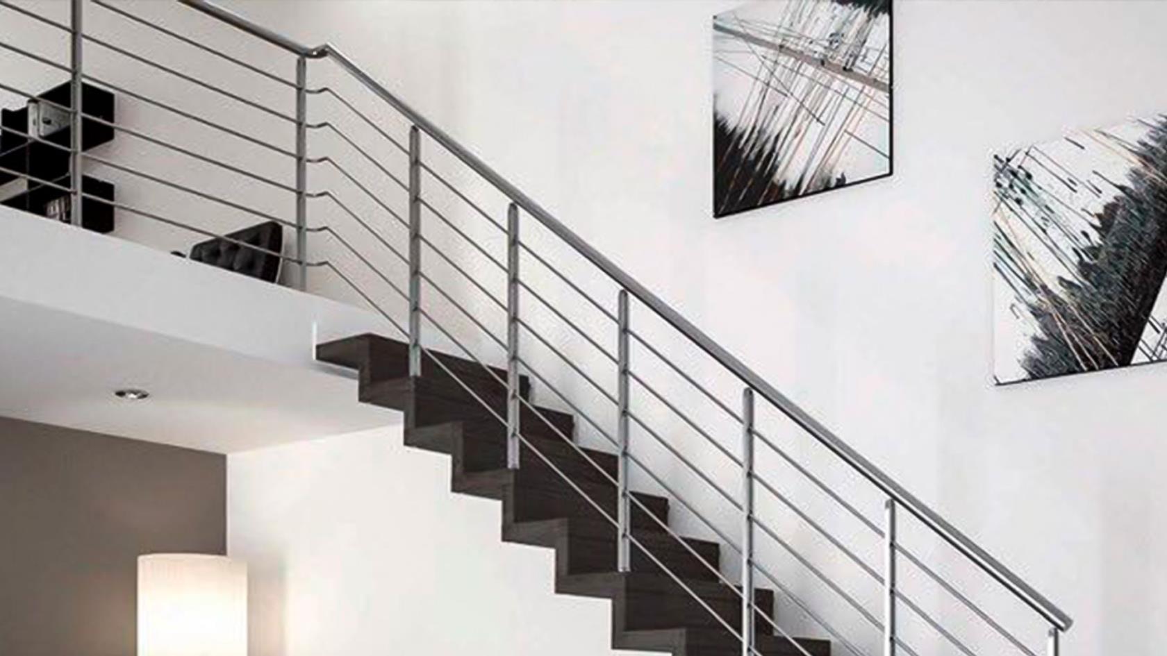 progettazione di scale e corrimano in metallo