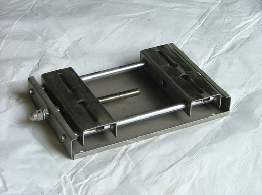 Produzione slitte per motori elettrici a Monterenzio