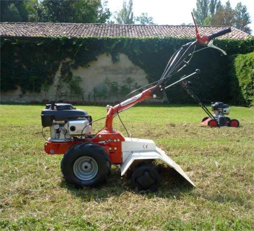 Trattori taglia erba a spinta