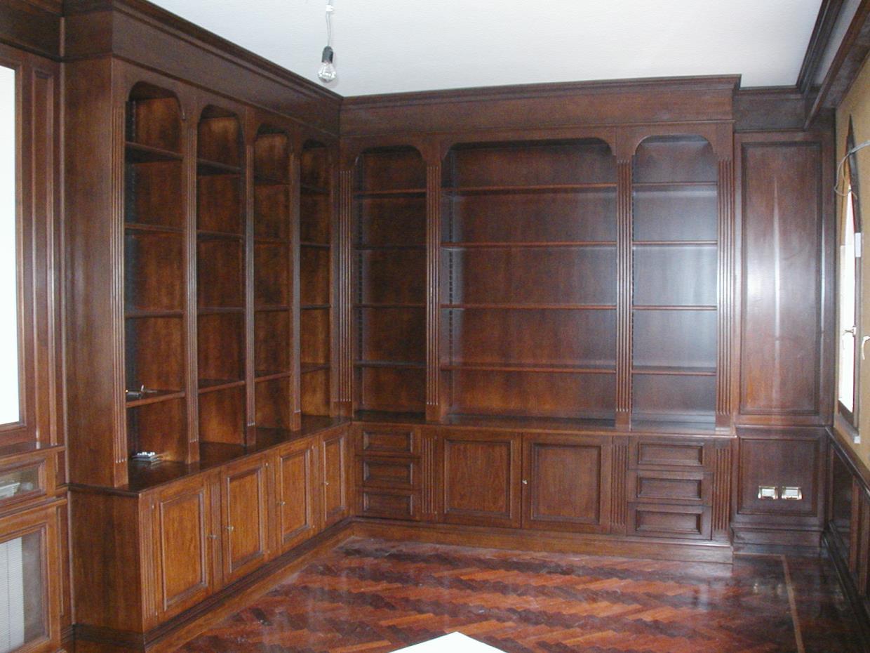 Produzione mobili in legno massello