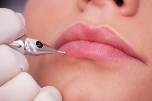 Trucco permanente labbra Torino