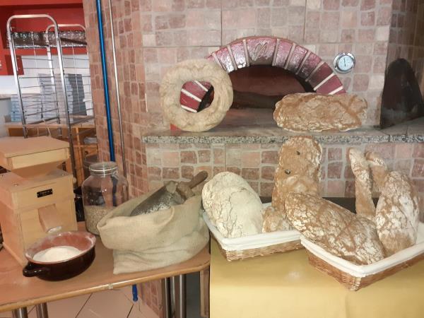 pizzeria con forno a legna terni
