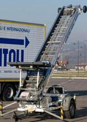 Noleggio autoscale e scale montacarichi con operatore San Martino Buon Albergo (Verona) - Gomitoli Traslochi
