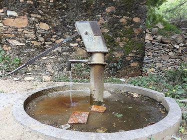 costruzione pozzo Mereu