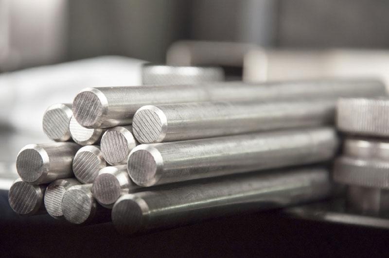 lavorazione materiali metallici e plastici