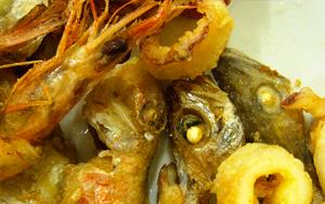 Piatti-tipici-di-pesce-ristorante-Cantina-Cantarini-Roma