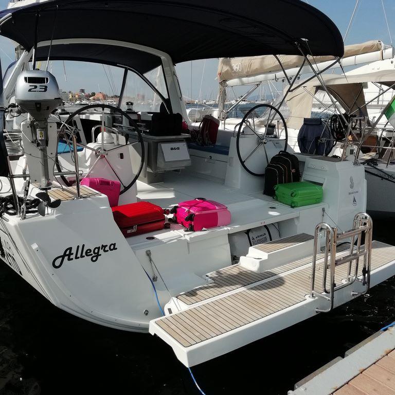 imbarcazioni  a vela   per vacanza