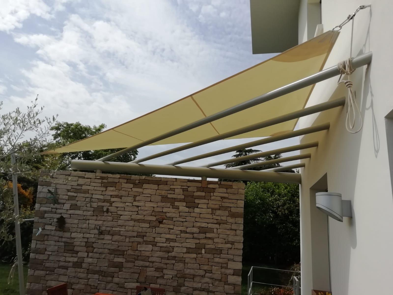 tende ombreggianti per terrazzi brescia