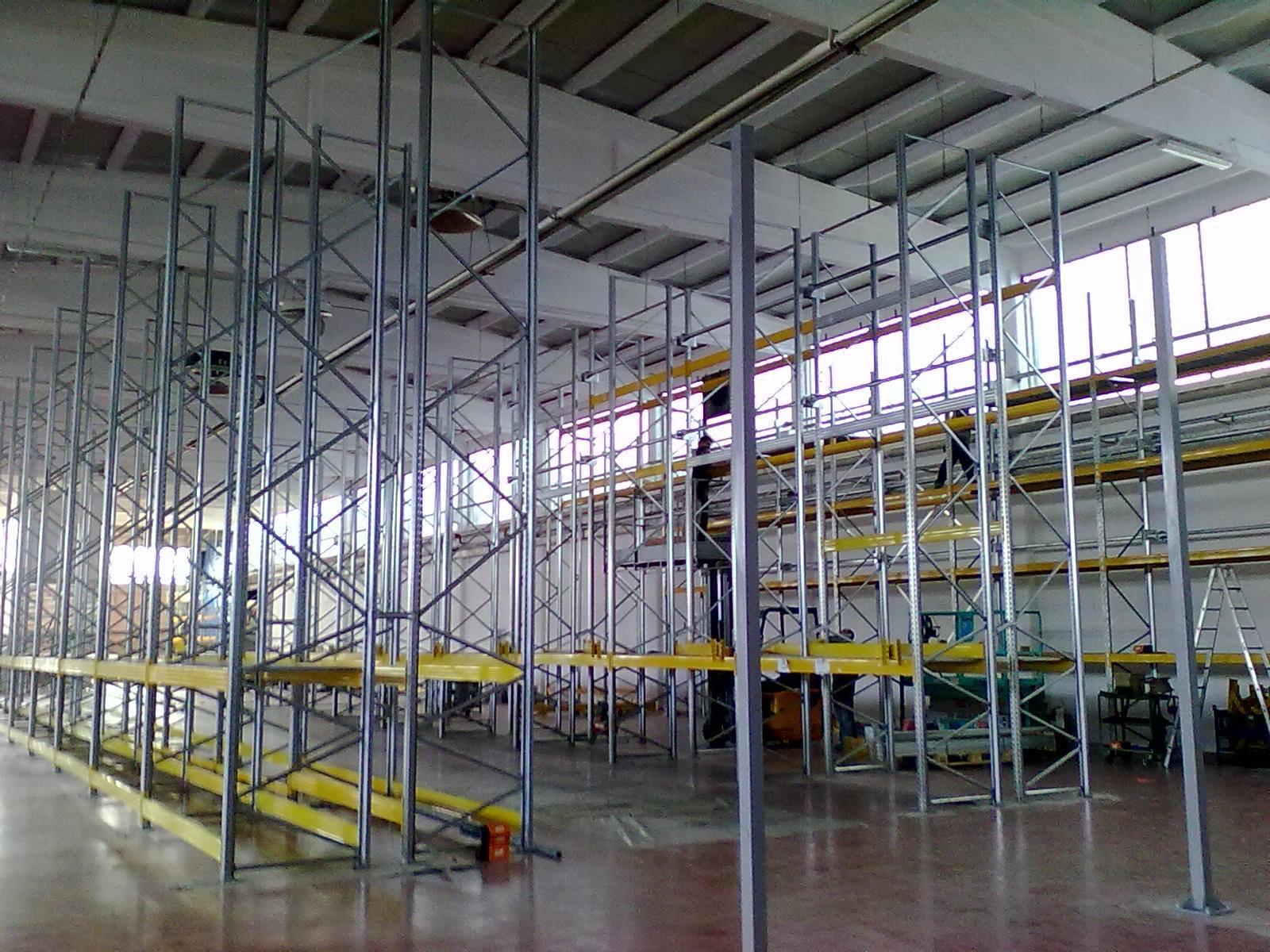produzione scaffali metallici