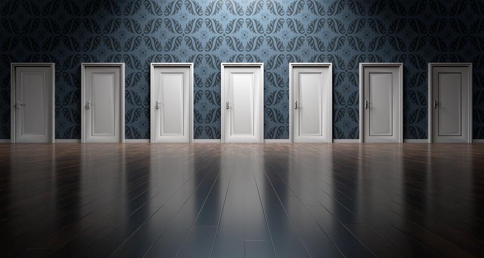 Porte in legno per interni ed esterni