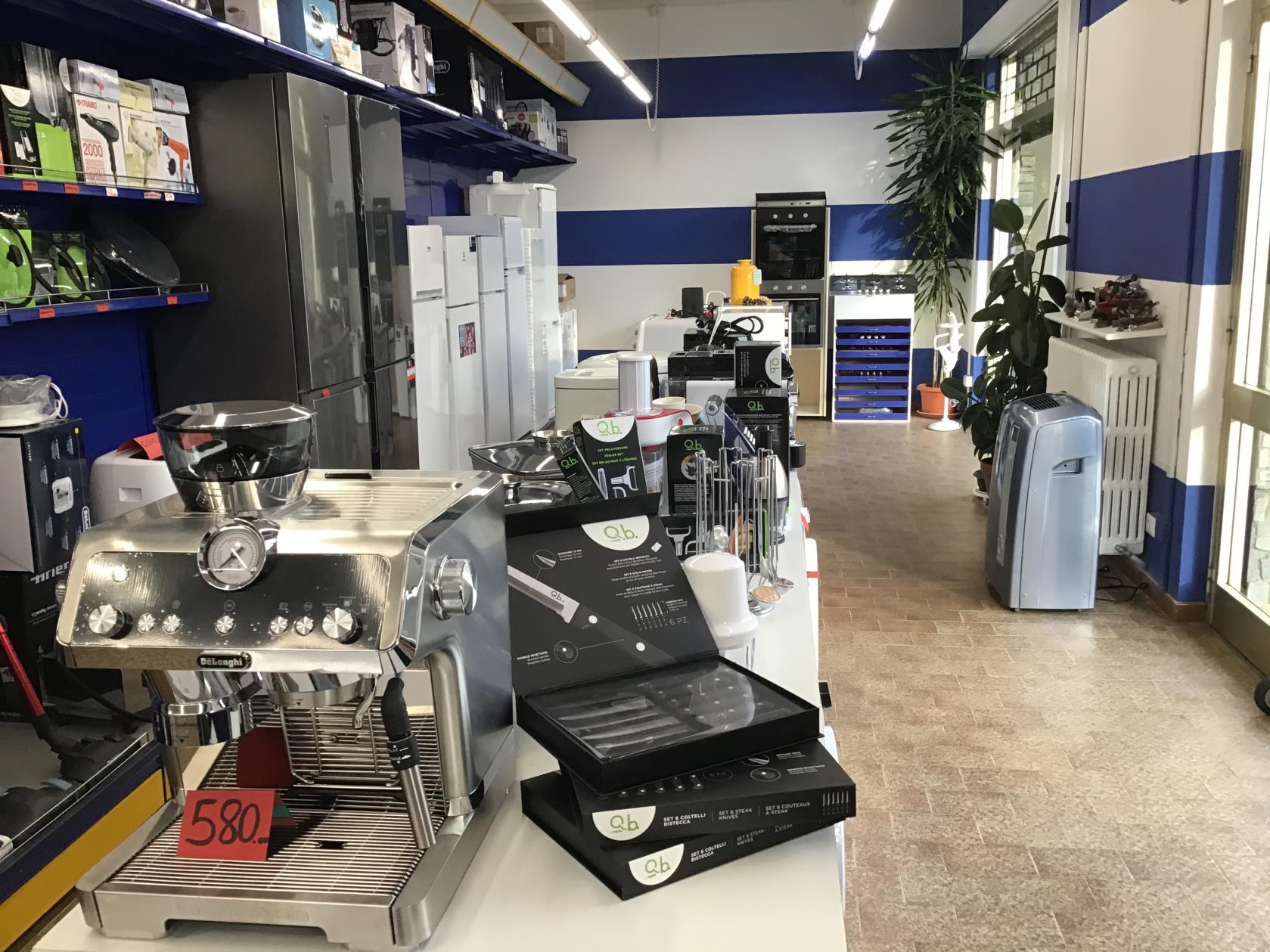 Produzione e vendita macchine da caffe e capsule