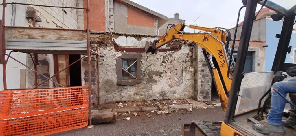 demolizioni nuoro