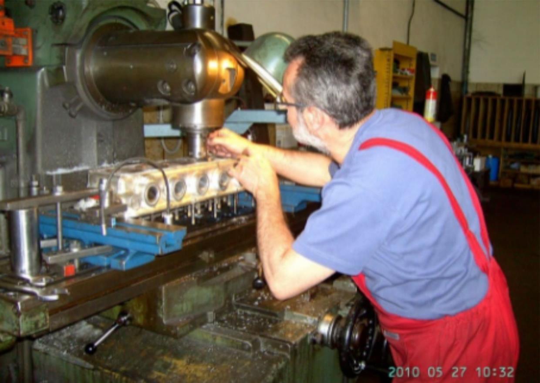 rettifica  componenti  motore