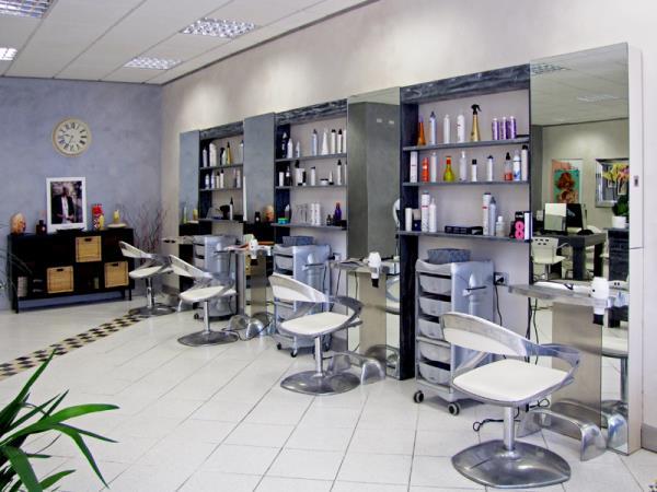 Lineamenti Parrucchieri Unisex a Poggibonsi, Siena