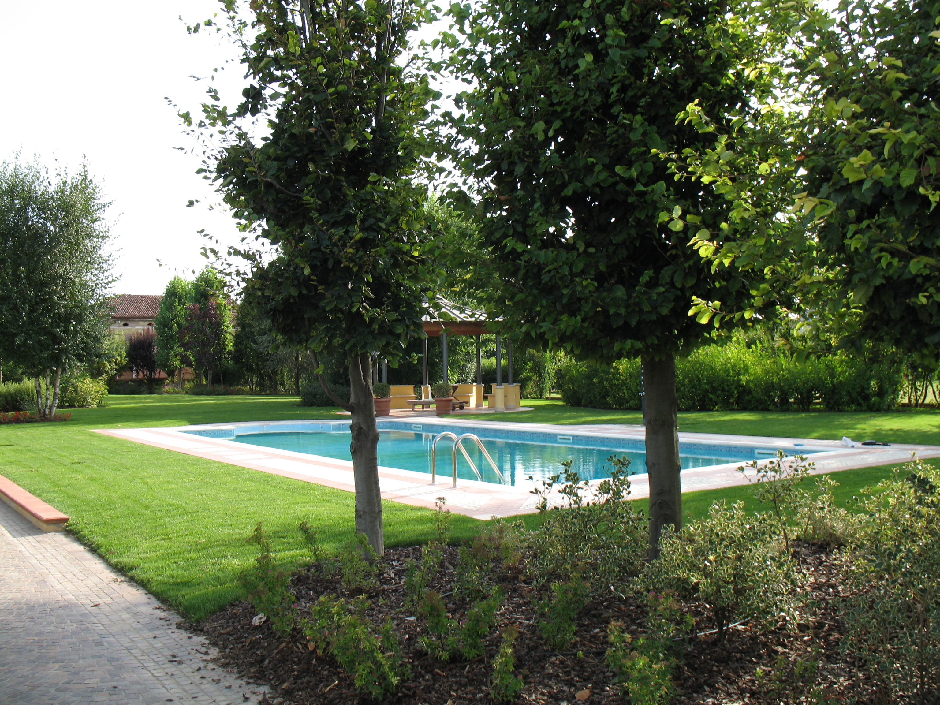 Ferrari Verde Blu Progettazione e ristrutturazione piscine