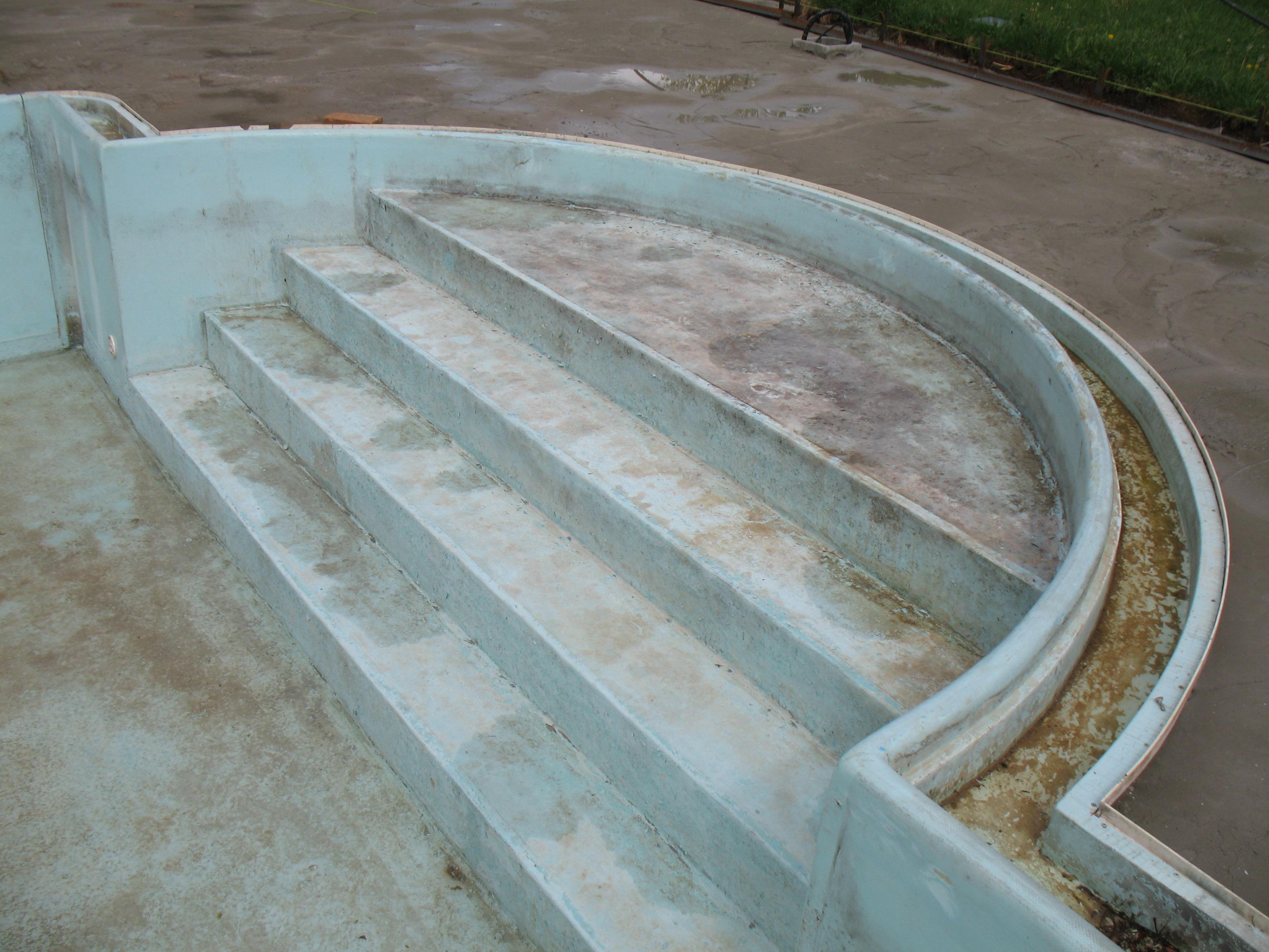 Interventi manutentivi vecchie piscine Ferrari Verde Blu