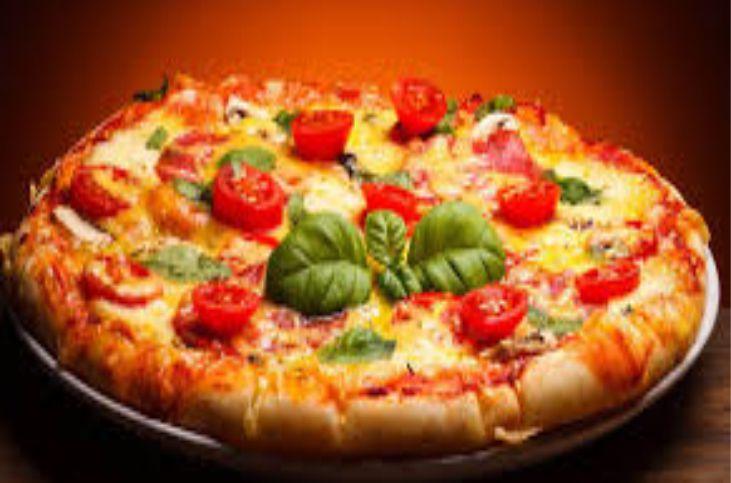 mangiare la pizza a Massa