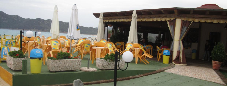 stabilimento balneare con ristorante sulla spiaggia castiadas, spiaggia di san pietro cala marina