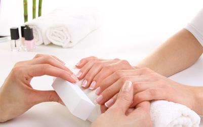Trattamento manicure centro estetico eur roma montagnola