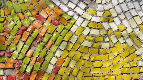 Posa in opera di mosaici