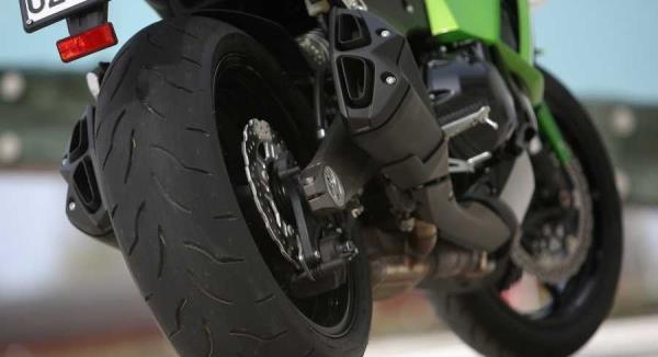 vendita pneumatici moto e scooter Imperia | De Luca Gomme Imperia