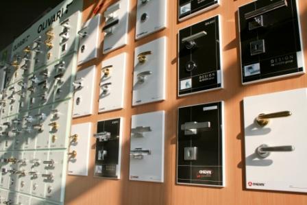 Ferramenta per mobili Parma; Ferramenta per infissi Parma; maniglie Parma