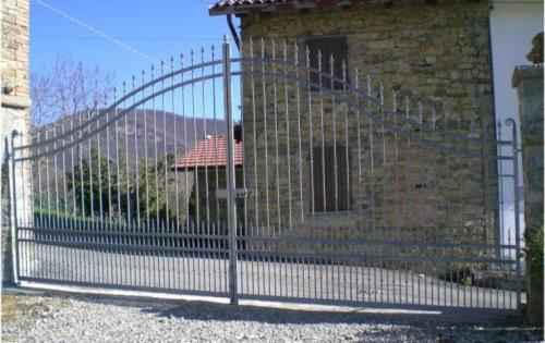 Cancelli in ferro Salsomaggiore Terme Parma; Inferriate in ferro Salsomaggiore Terme Parma