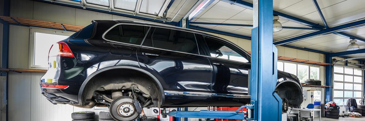 Manutenzioni auto, moto e furgoni
