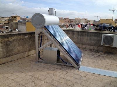 Pannello fotovoltaico per la produzione di acqua calda