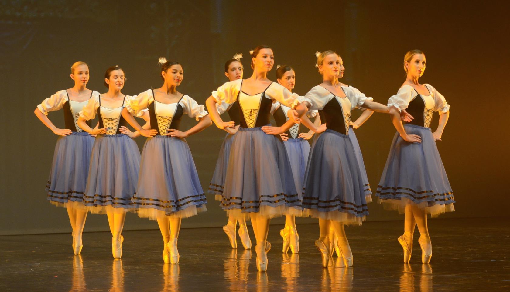 scuola di danza classica, moderna, hip hop, danza contemporanea