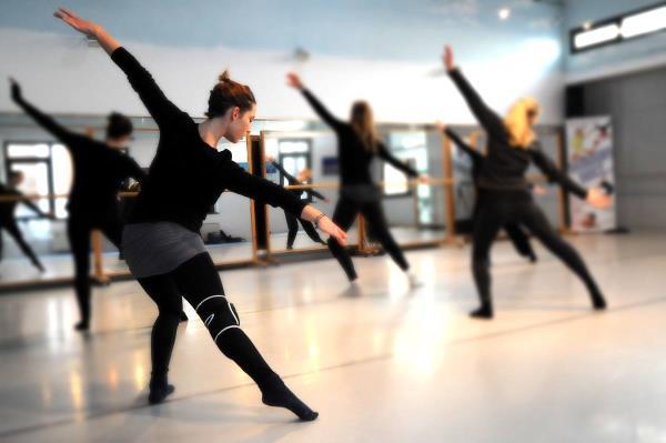 corsi per ballerini professionisti udine scuola di ballo danza moderna