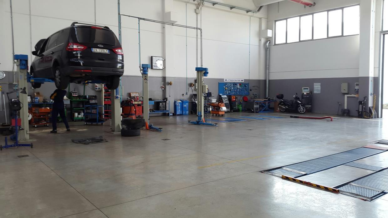 Autofficina riparazione auto