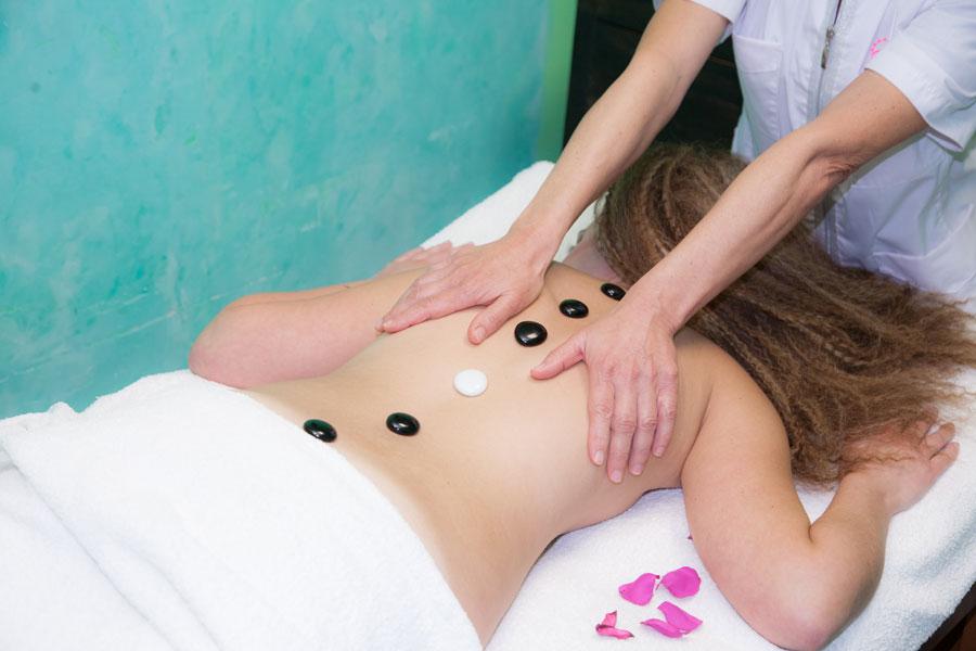 Massaggi per il benessere corpo donna
