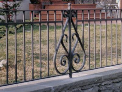 Cancello decorato in ferro