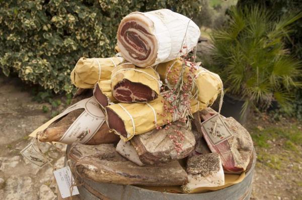 Produzione salumi toscani - Grosseto